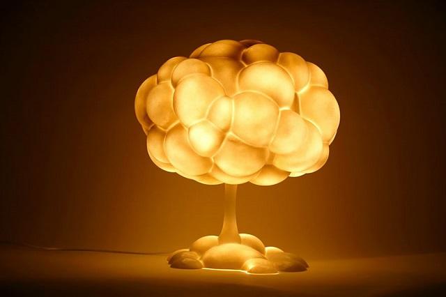 Nükleer Bomba Şeklinde Lamba