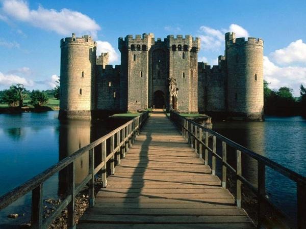 Bodiam Kalesi - İngiltere