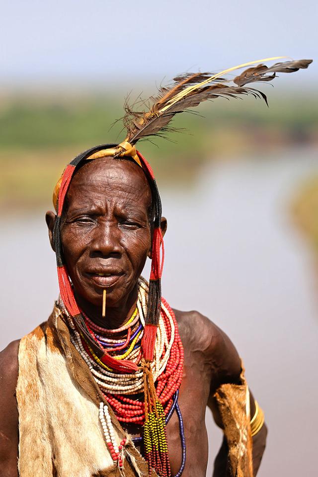 Karo Kabilesinden Kadın Portre Fotoğrafı