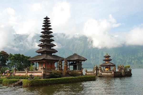 Ulun Danu Tapınağı, Bali