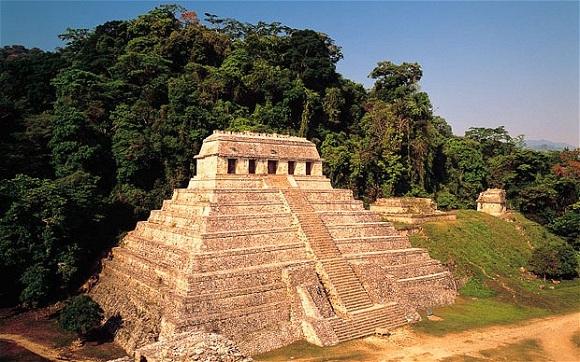 Orman piramitleri, Palenque, Mexico
