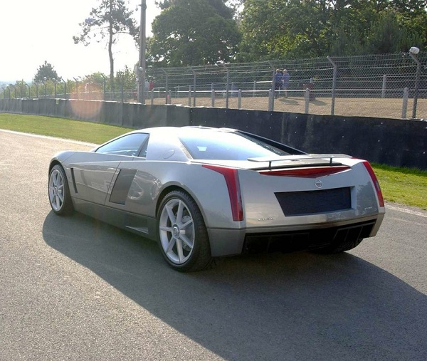 2002 Cadillac Cien Resimleri